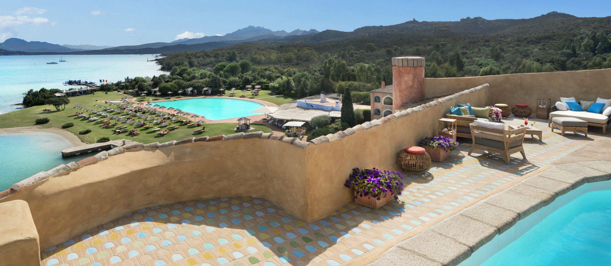 pent-main10-lux59gr-180379-penthouse-suite-terrace