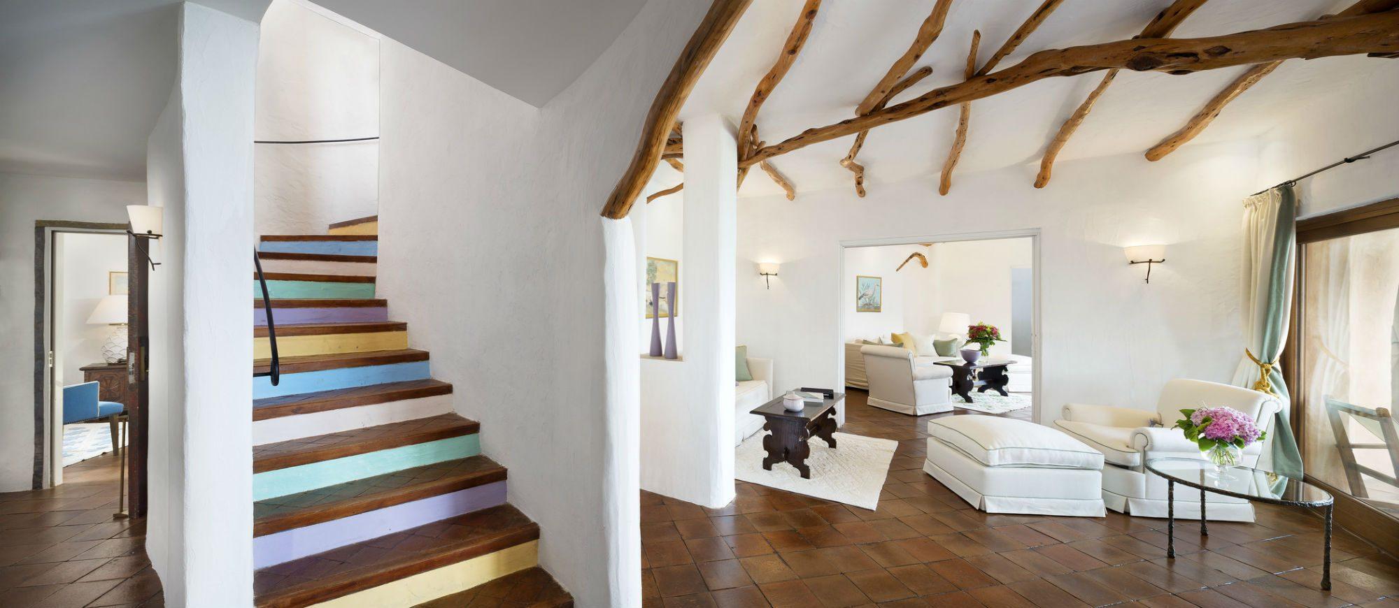 pent-main4-lux59gr-155340-penthouse-suite-living-room
