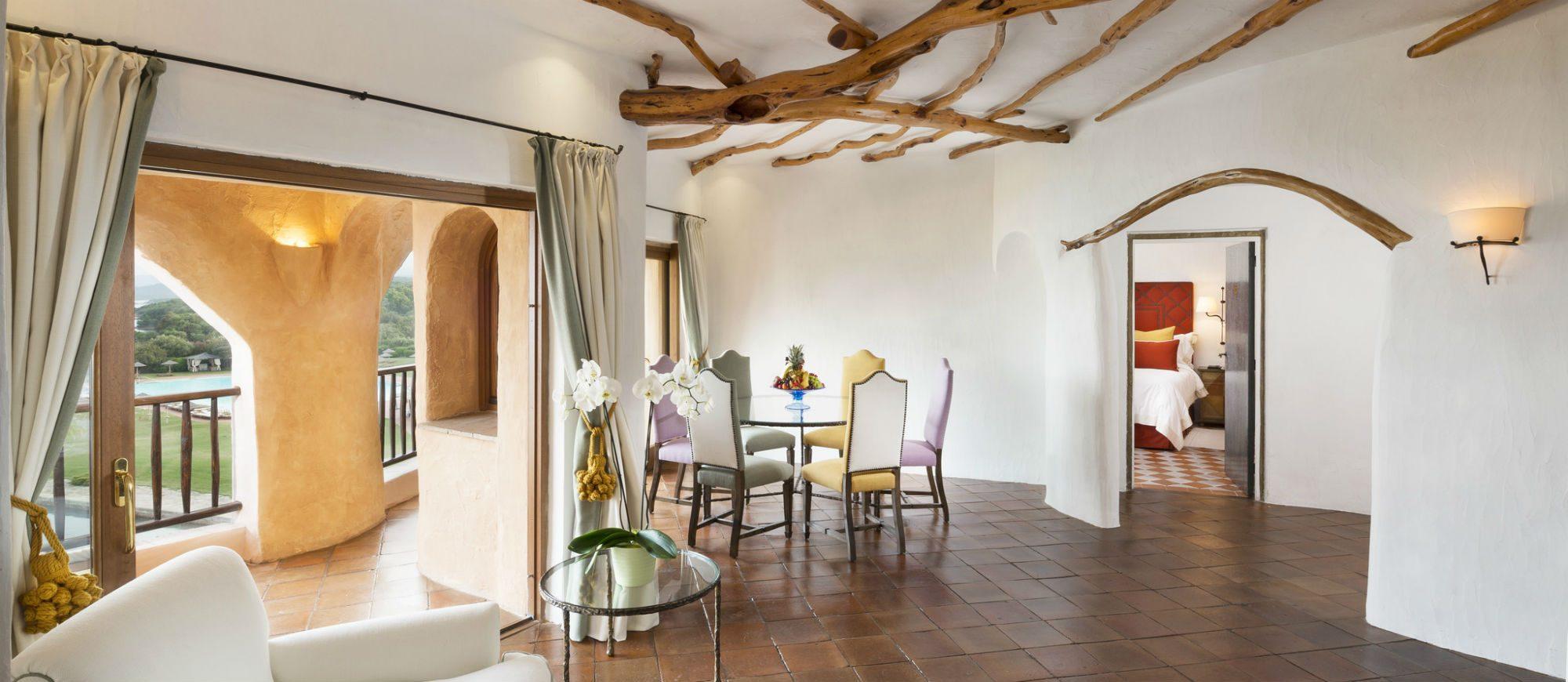 pent-main8-lux59gr-155343-penthouse-suite-living-room